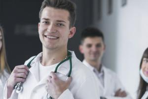 Como montar uma clínica médica: Dicas para ter sucesso no seu negócio